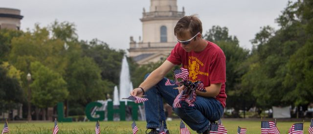 baylor-university-labels-9/11-flag-tribute-with-trigger-warning