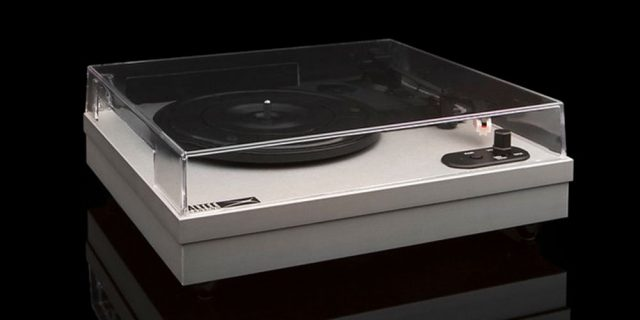 get-early-access-to-black-friday-deals-with-this-classic-turntable,-now-just-$65!