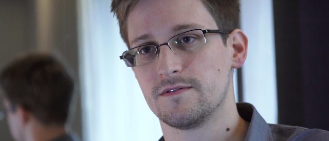 'war-on-whistleblowers':-edward-snowden-says-that-journalism-is-slowly-being-criminalized