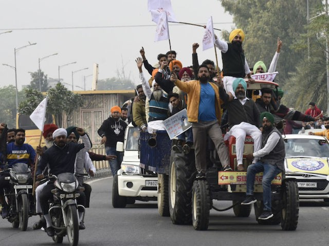 striking-farmers-shut-down-india's-punjab-to-protest-agriculture-law
