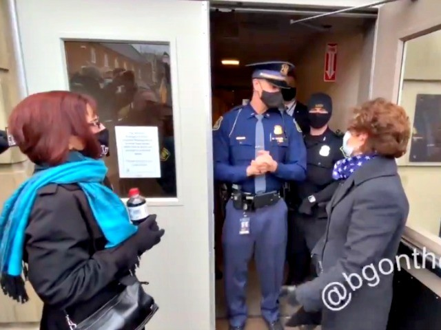 video:-michigan-republican-electors-blocked-from-entering-capitol-by-state-police