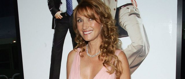 jane-seymour-says-after-going-through-four-divorces,-what-she's-learned-'is-to-let-go'