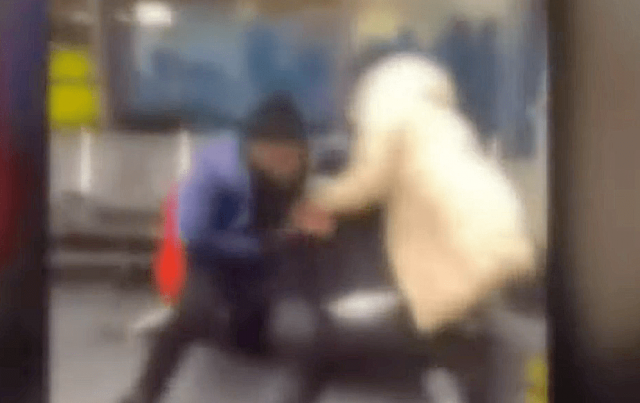 watch-–-spirit-airlines-passengers-attack-agents-in-baggage-dispute