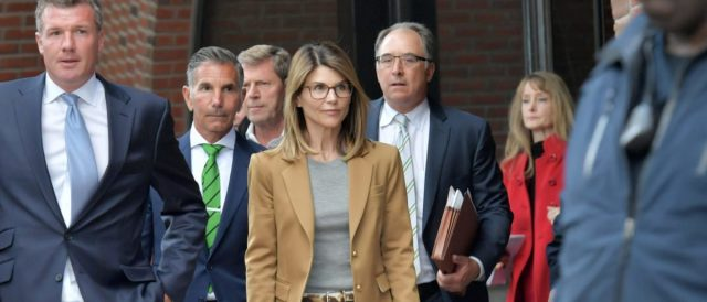 report:-lori-loughlin's-husband-loses-in-fight-to-spend-prison-sentence-at-family's-mansion