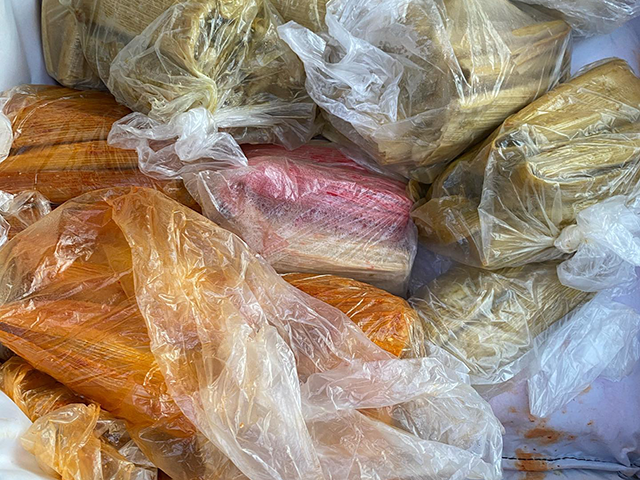 chicago-restaurant-owner-buys-out-street-tamales-so-vendors-don't-freeze