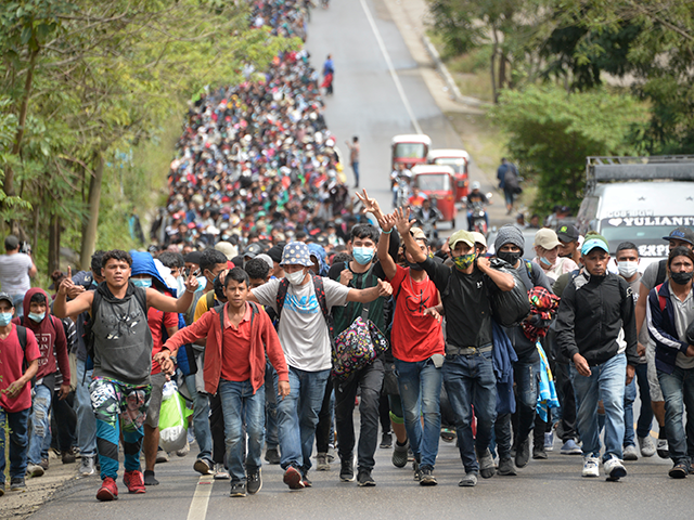 obama-official:-more-than-one-million-migrants-to-hit-border-this-year