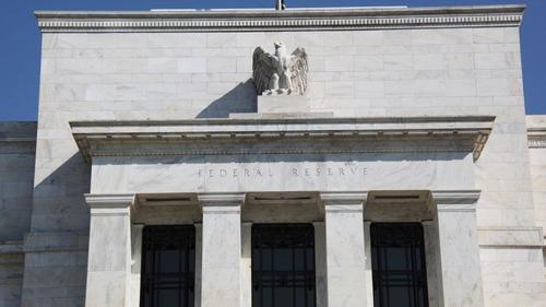 peter-schiff:-the-fed-between-a-rock-and-a-hard-place