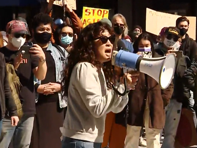 actress-sandra-oh-joins-'stop-asian-hate'-protest-in-pittsburgh