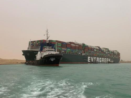 "suez-canal-container-ship-crash-is-a-""worst-case-scenario""-for-global-trade"
