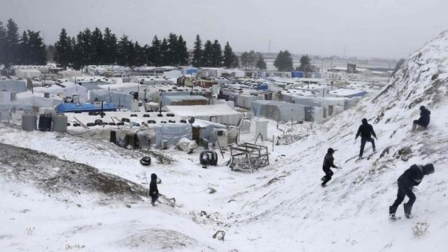 2-syrian-women-and-2-children-died-from-the-cold-while-trying-to-cross-the-lebanese-border.