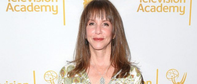 famous-'snl'-star-laraine-newman-recalls-letting-out-'foghorn'-fart-in-front-of-prince