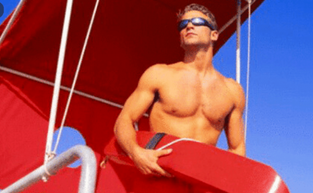 top-paid-la-lifeguards-earn-up-to-$392,000-annually:-report