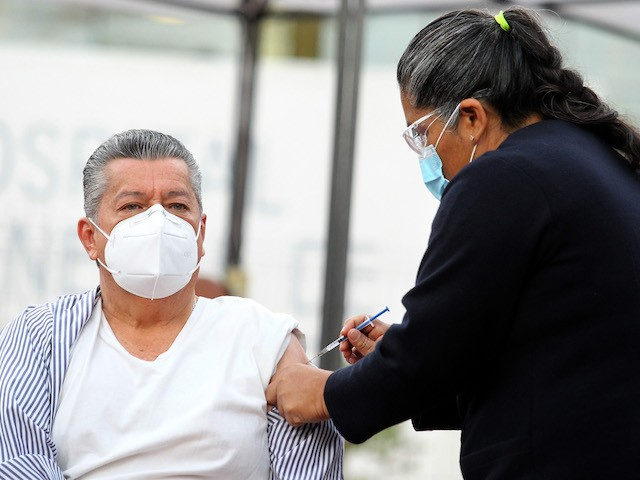 wealthy-mexicans-traveling-to-us.-to-get-coronavirus-vaccine
