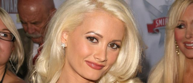 'nobody-ever-got-asked-to-move-in-unless-they-had-slept-with-him':-playboy-playmate-holly-madison-dishes-on-living-in-the-mansion