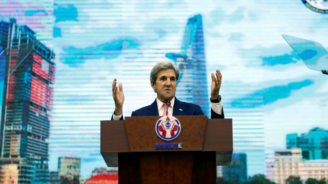kerry-lunges-into-india-with-anti-bri-agenda-bringing-green-suicide-for-all