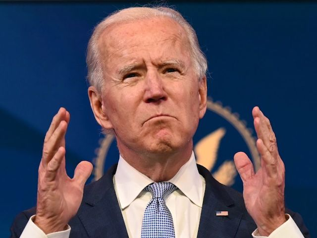 report:-biden-giving-federal-employees-paid-leave-to-help-border-crossers
