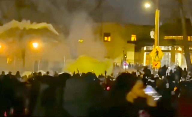 """watch-–-""""get-the-white-people-to-the-front!"""":-blm-in-minneapolis-riots-as-looting-is-encouraged"""