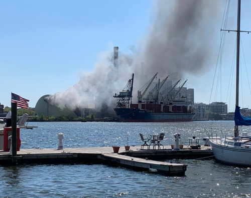 baltimore's-iconic-domino-sugar-factory-engulfed-in-flames
