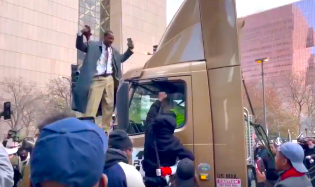 watch-–-minneapolis-protesters-accost-truck-driver-following-conviction-of-derek-chauvin