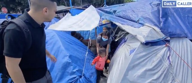 exclusive-video:-more-than-1,000-migrants-crammed-into-makeshift-camp-in-mexico-while-awaiting-asylum