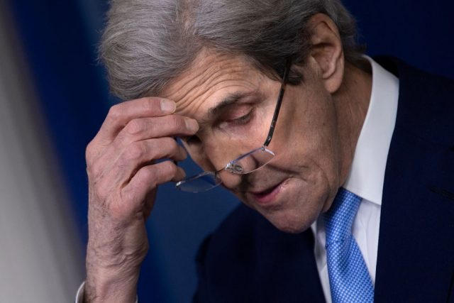 report:-biden-administration-slow-walked-release-of-climate-czar-john-kerry's-financial-disclosures