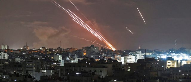 fact-check:-does-this-video-show-hamas-rockets-landing-in-the-gaza-strip?