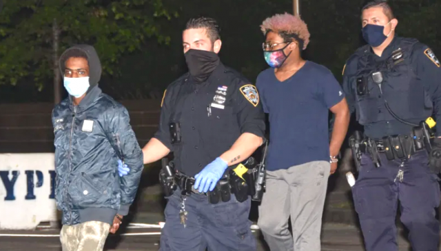 suspect-in-subway-slashing-spree-caught-with-victim's-backpack-and-bloody-knife