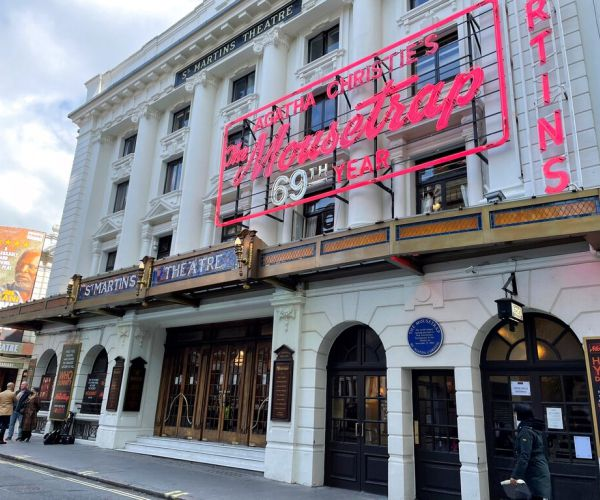 the-show-is-back-on:-london-theaters-reopen-to-live-audiences