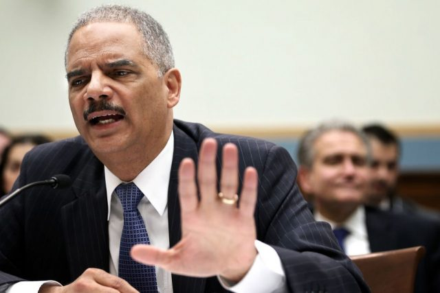 white-house-cites-eric-holder-'model'-as-standard-for-spying-on-journalists