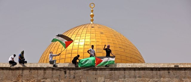 amid-fragile-truce,-jewish-visitors-return-to-holy-site-that-precipitated-war-with-hamas