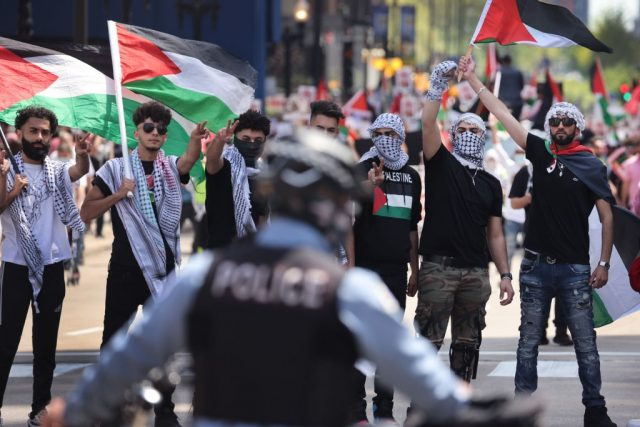 exclusive-–-pro-israel-rally-attacked-in-illinois:-'kill-the-jews'
