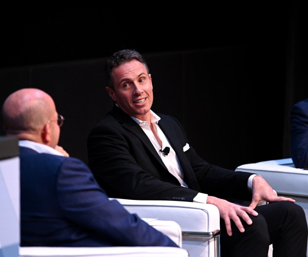 cnn's-zucker-admits-chris-cuomo-'mistake'-advising-governor-brother-on-sex-scandal