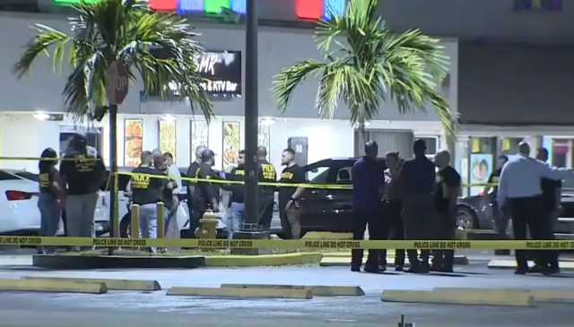 2-dead-and-more-than-20-wounded-after-mass-shooting-at-miami-area-concert