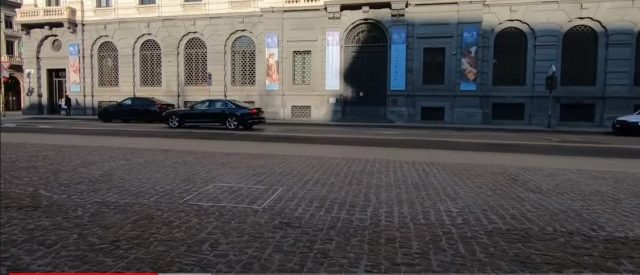 artist-gets-over-$18,000-for-sculpture-that-doesn't-exist,-says-it's-invisible