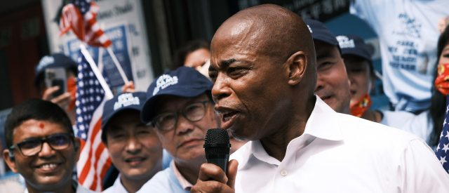 yang-falls-behind-in-new-york-mayoral-race-as-crime-becomes-key-issue