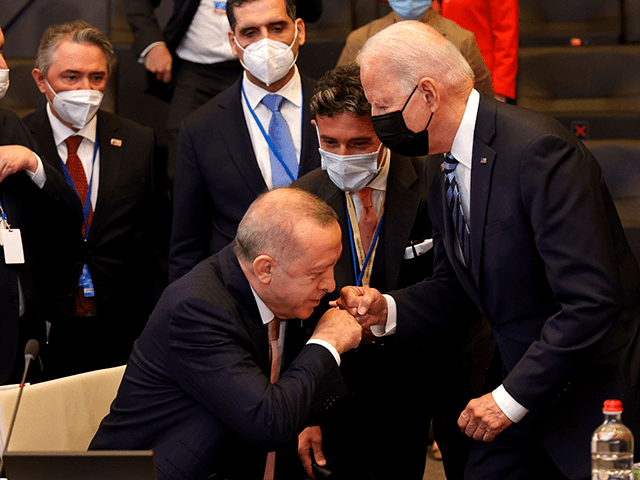 erdogan-defends-russian-missile-buy-at-nato-meeting-with-biden