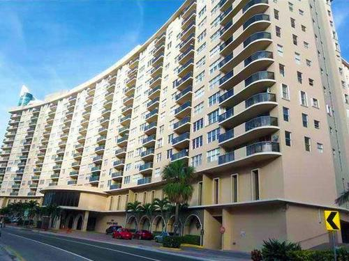 """fear-spreads-as-another-miami-beach-condo-tower-deemed-""""unsafe"""""""