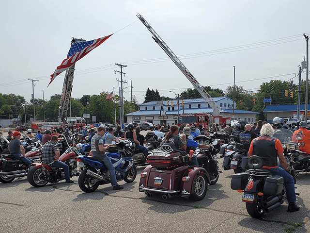 watch:-bikers-gather-for-back-the-blue-rally-in-pennsylvania