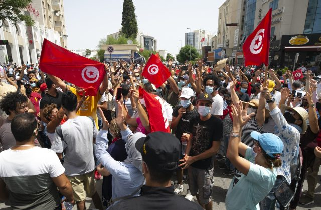 tunisia-stands-against-the-brotherhood
